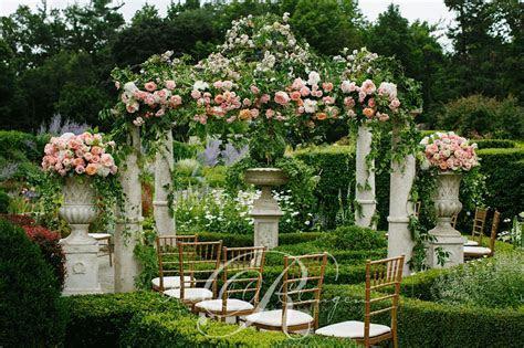 Toronto Garden Wedding Greener Flowers   Wedding Decor