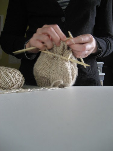 making the cap with double point needles