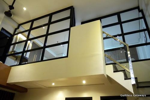 isuites-sake-room-loft.jpg