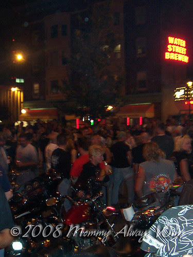 Harley's 100th Anniversary party, Water St. Crowd