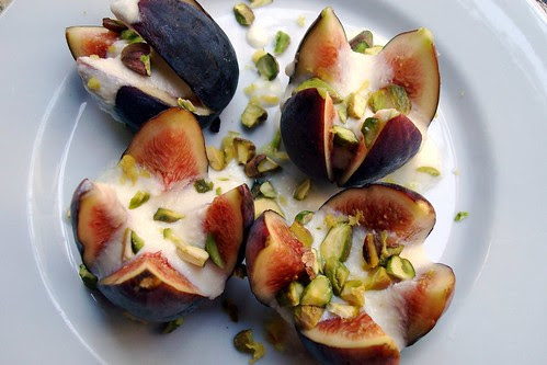 Figs with Ricotta and Pistachios