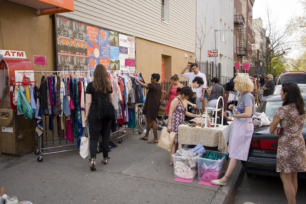Flash clothing shop