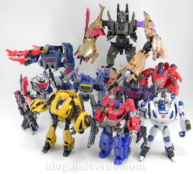 Transformers Soundwave Voyager - Generations Fall of Cybertron - modo robot vs otros Fall of Cybertron