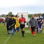 A LA UNE COMME LES PROS . Photos. Le Petit Poucet du football mosellan s'incline contre Francaltroff
