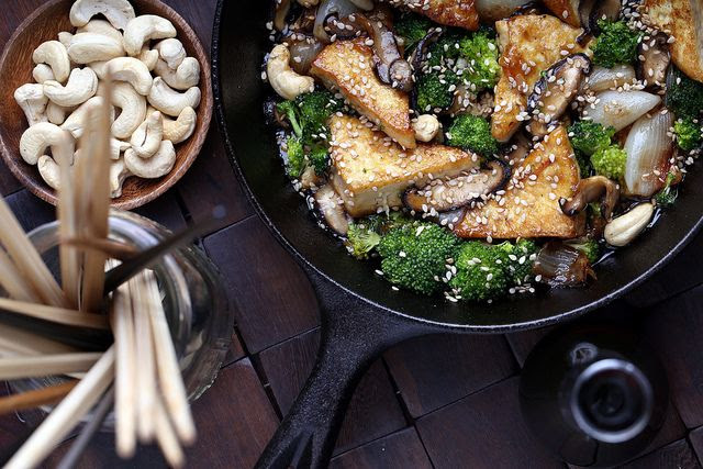 Sweet and Sticky Cashew Tofu
