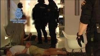 La policia d'Eivissa entra a la mansió del líder de l'organització