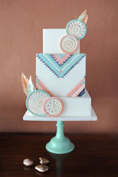 12 Amazing Wedding Cake Designs   Woman Getting Married