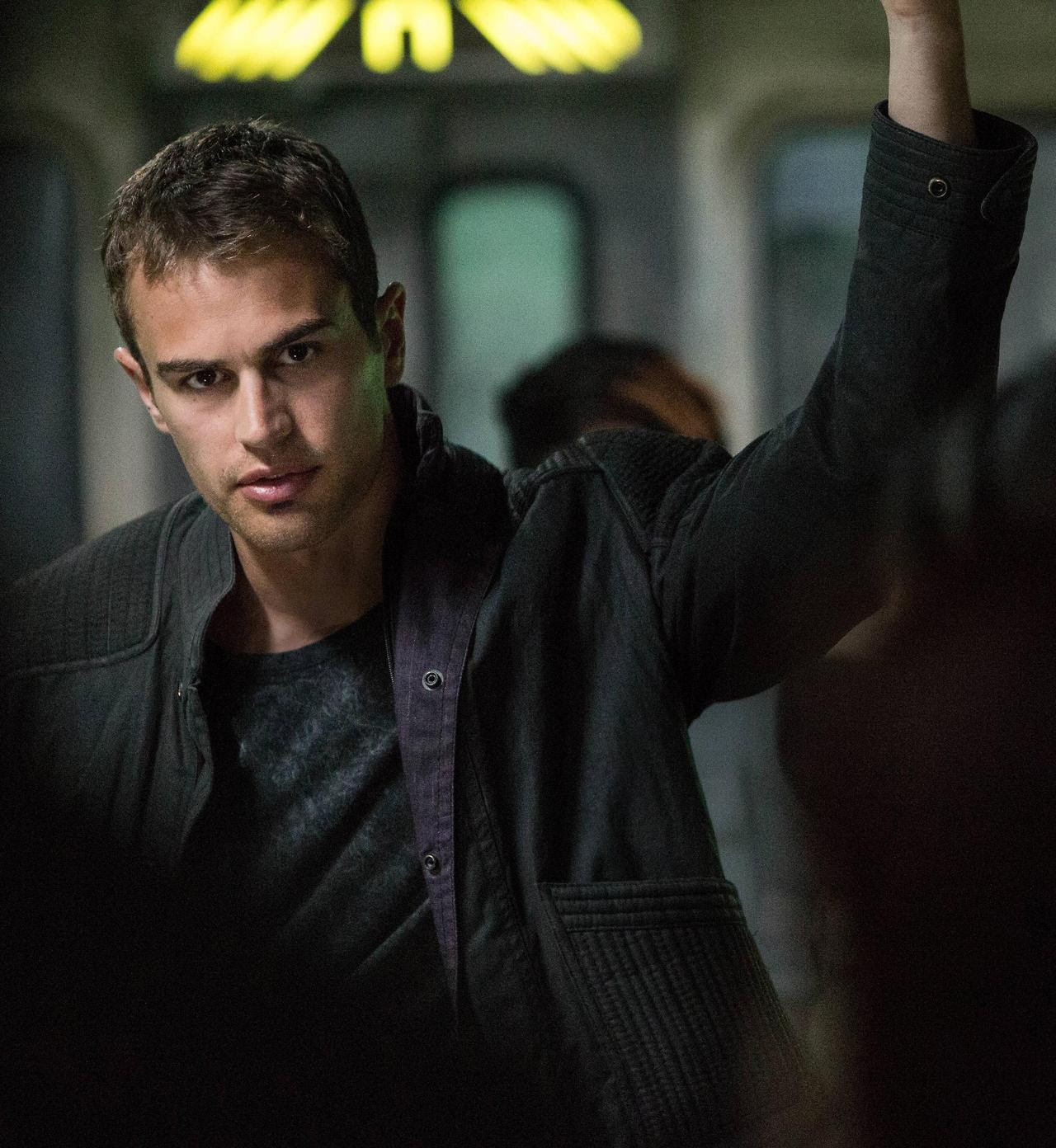 http://fandomnetnews.files.wordpress.com/2014/03/divergentstill20.jpg