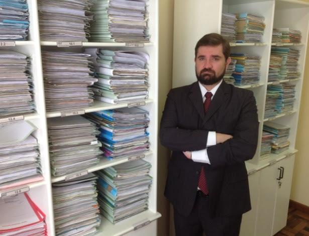 Juiz Fernando Cordioli Garcia, 34, reassumiu a magistratura, na 1ª Vara Cível, em Sombrio (SC)
