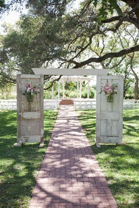 17 Best ideas about Country Wedding Arches on Pinterest
