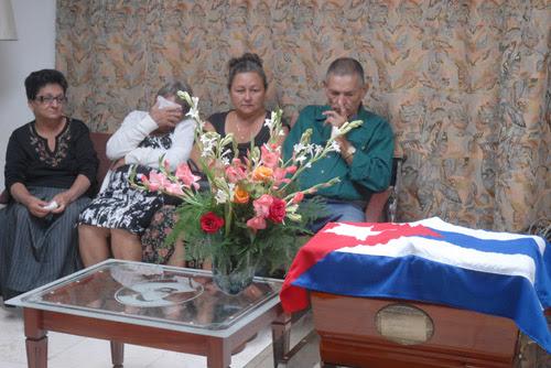 http://en.escambray.cu/wp-content/gallery/yaguajay-pays-tribute-to-crescencio-galanena/tributo1.jpg