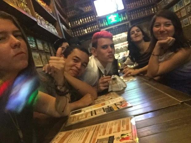 Dona de celular diz que achou fotos engraçadas (Foto: Aline Dias/Arquivo Pessoal)