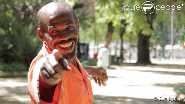 A trajetória do gari Renato Sorriso vai virar documentário (27 de abril de 2014)
