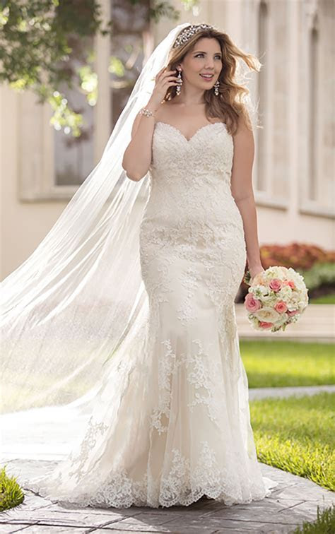 Plus Size Fit and Flare Strapless Wedding Dress I Stella York