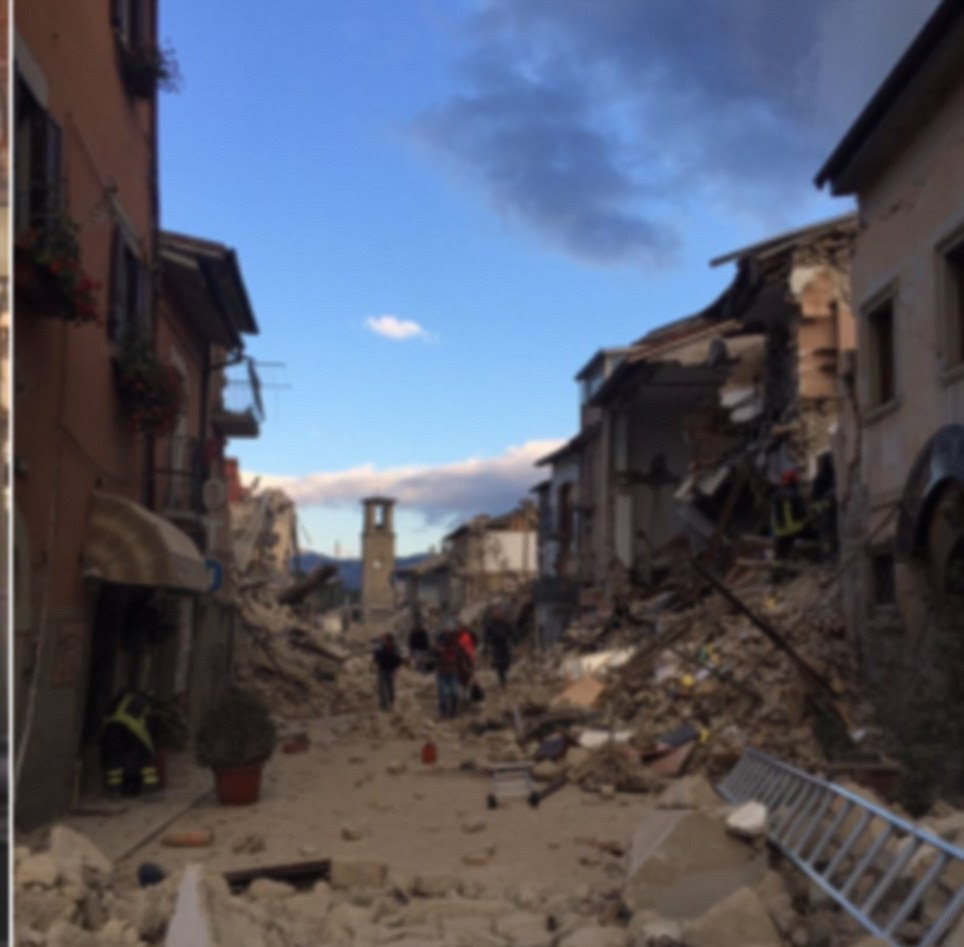 A once delightful Italian street in Amatrice filled with terracotta-coloured buildings (left) now appears as a mass of grey rubble (right)