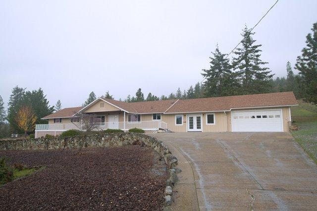 Listing: 712 Colonial Drive, Grants Pass, OR. MLS 2952059  Buy Southern Oregon Real Estate