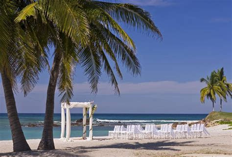 plan  ultimate destination wedding  mexico