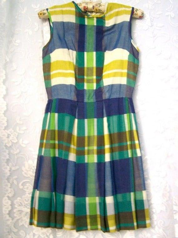 Vintage 60s dress / Mini Dress / Tartan Plaid