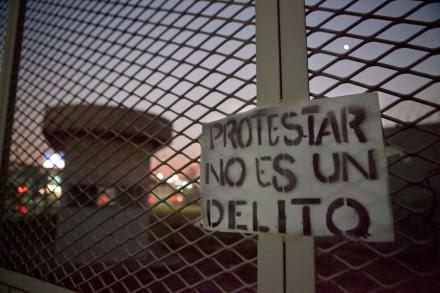 Estudiantes exigen la liberación de Rita Neri en Santa Martha. Foto: Miguel Dimayuga