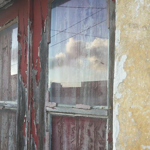 #doors #doorsworldwide #doorsondoors #doors_p  #sky #mirror by Joaquim Lopes