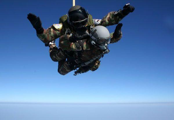 HALO Tandem skydivers soar in the wild blue yonder.