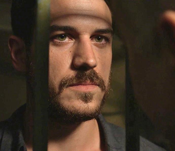 Dante prende Zé Maria (Foto: Globo)