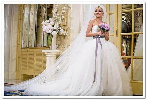 Vera Wang Kate Hudson's dress in Bride Wars, $4,500 Size