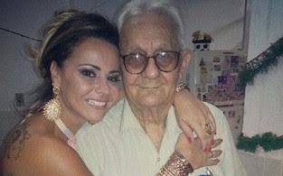 Viviane Araújo e o pai (Foto: Reprodução/Instagram)