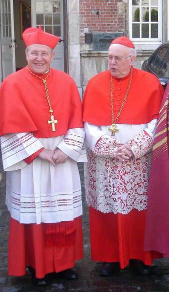 Archivo:Kardinaal III Danneels en Kasper.JPG