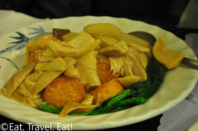 Assorted Mushroom with Bean Curd Sheets and Fried Egg Tofu