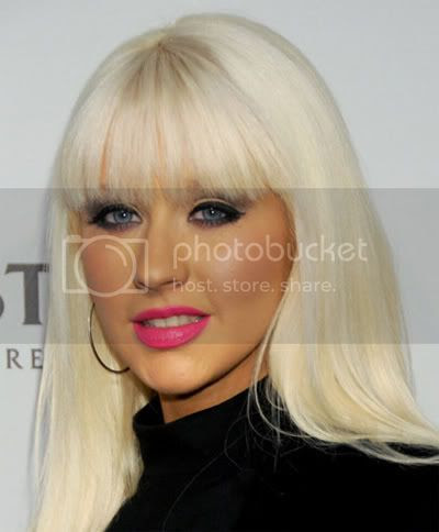 Christina Aguilera looking like a clown