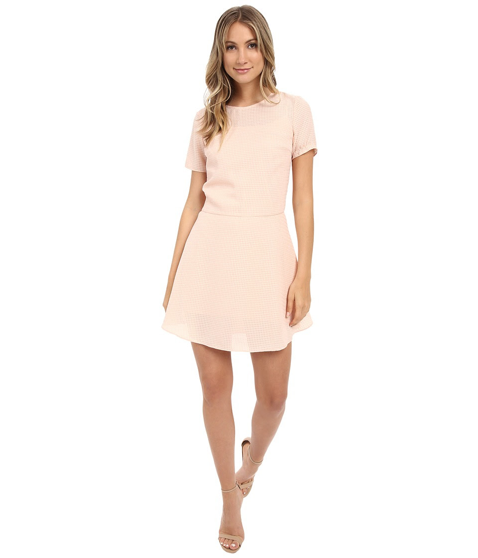 Donna Morgan - Short Sleeve Seersucker Linen Drop Waist (Nude) Women's Dress