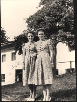 Eva and Gretl Braun2