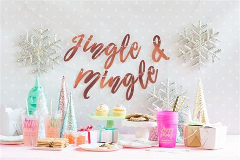 Dreaming of a Kitsch Christmas: An Aqua and Pink Christmas