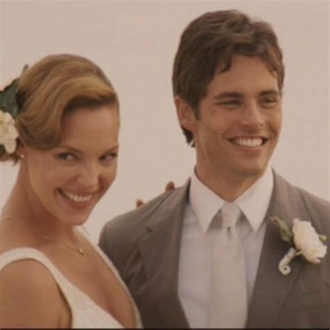 27 Dresses   perfect wedding pose for a photo   27 Dresses