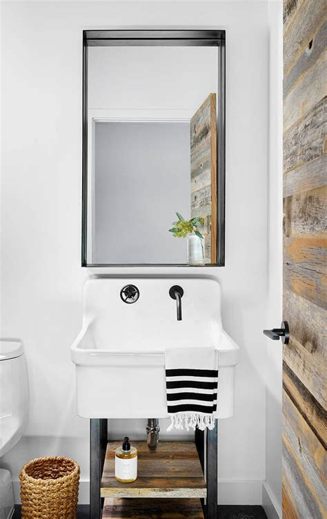 ideas  creating   manly masculine bathroom