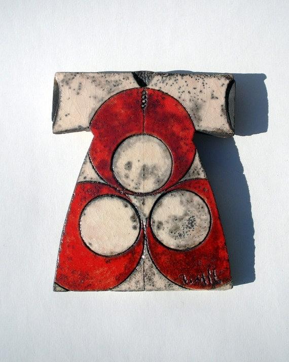 Raku Fired White Ceramic Caftan with Cintemani