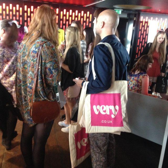 London Bloggers Festival With Scarlett London