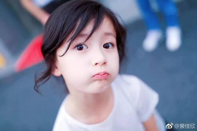 Thiên thần nhí 8 tuổi xinh lung linh, giống Kim Ji Won như tạc - Ảnh 10.
