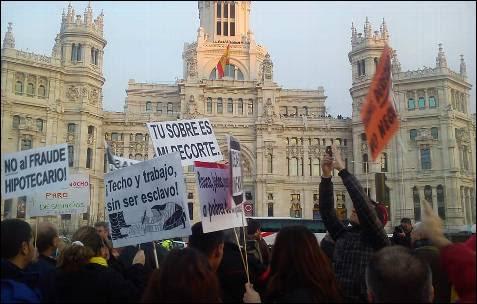 Frente al Ayuntamiento de Madrid en Cibeles. -AB