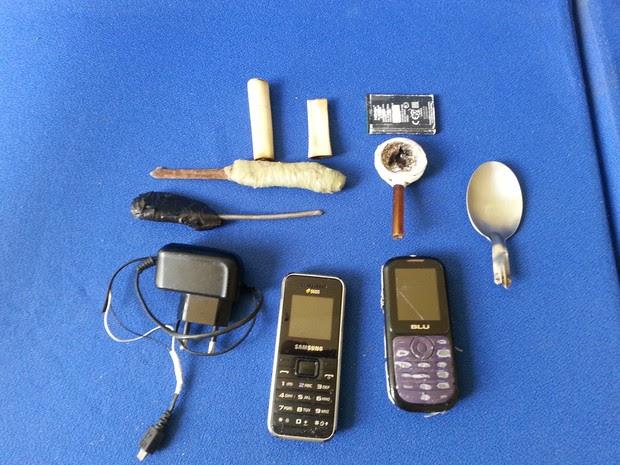 Material apreendido na cadeia pública de Cabrobó, PE (Foto: Divulgação / Polícia Militar)