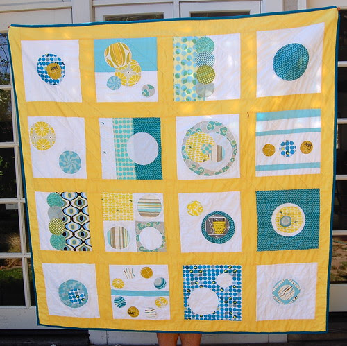 Bee mod quilt, circle side