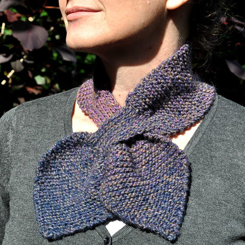 magritte bow-knot scarf