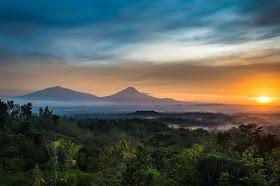 Gambar Pemandangan Gunung Telomoyo Gambar Gunung
