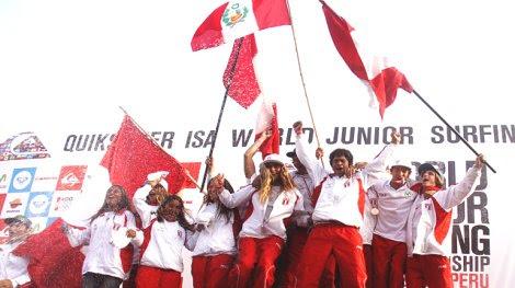 Celebración del equipo peruano campeón mundial juvenil.