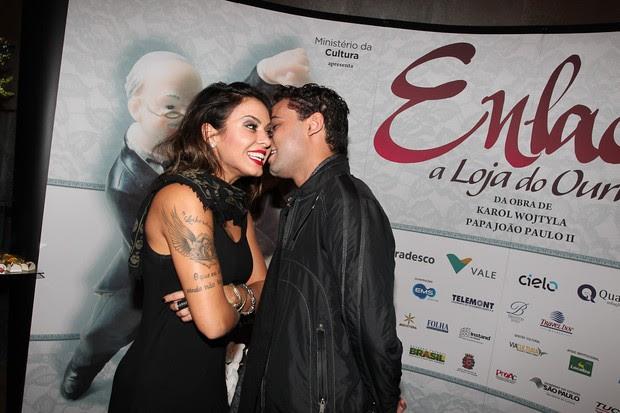 Alinne Rosa e Rafael Almeida (Foto: Manuela Scarpa/Photorio News)
