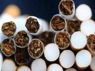 Πρόκειται για ένα φαινόμενο που οξύνθηκε κατά τη διάρκεια της ελληνικής κρίσης, καθώς η αλλαγή της φορολογίας των καπνικών προϊόντων είχε ως αποτέλεσμα να μειωθεί το χάσμα της τιμής των φθηνών και ακριβών τσιγάρων, κάτι που οδήγησε τους καταναλωτές στις «φθηνές» λύσεις των λαθραίων τσιγάρων.