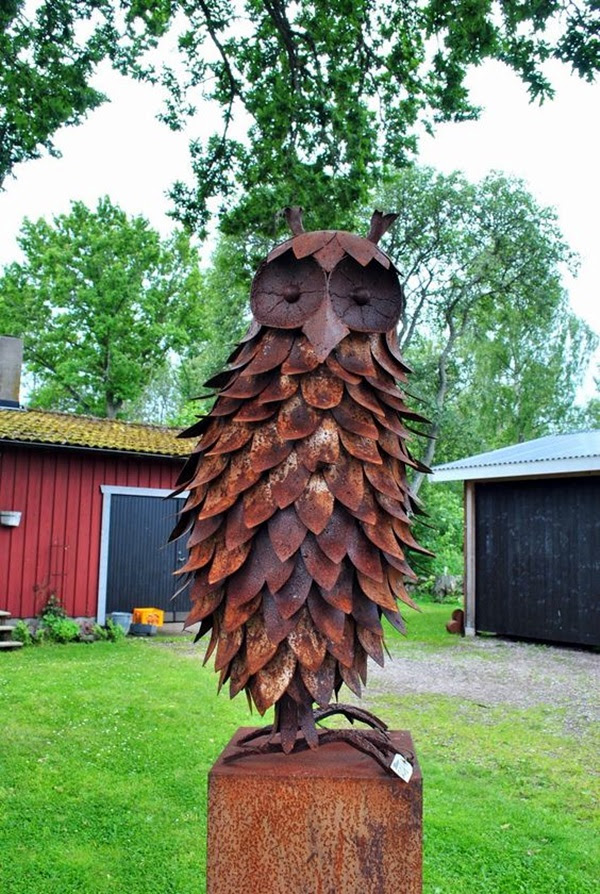 Utterly Beautiful Rusted Metal Art Works (17)