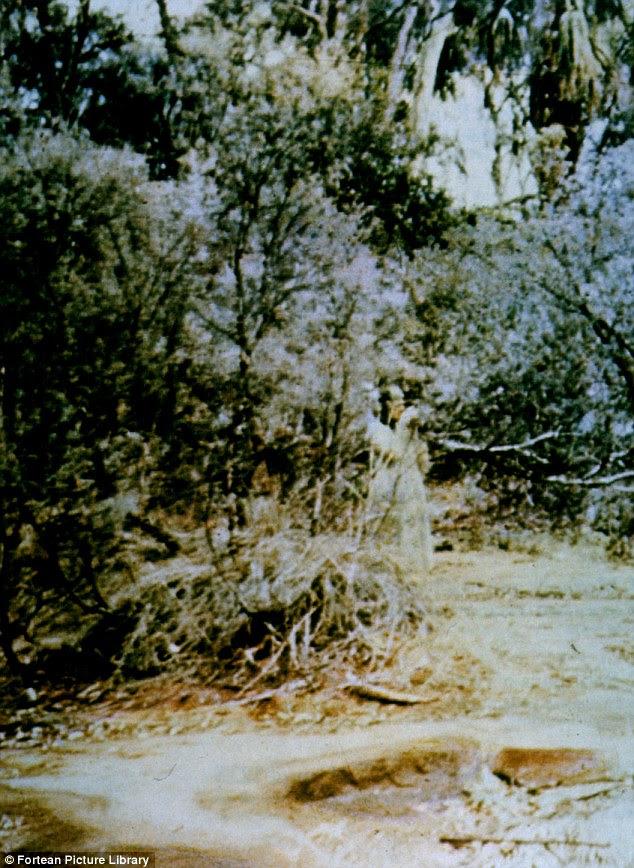 9200 Foto Penampakan Makhluk Astral HD Terbaru