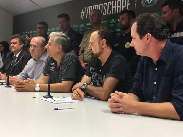 Diretoria da Chapecoense deu entrevista coletiva na tarde desta quarta-feira (30) (Foto: Diego Madruga/Globoesporte.com)